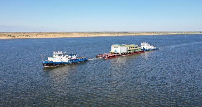 Доставка частей НПЗ на Каспий